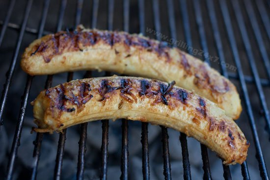 Grilled Bananas with Coconut