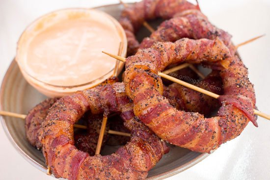 Smoked Bacon Wrapped Onion Rings – Spicy Sriracha Onion Rings